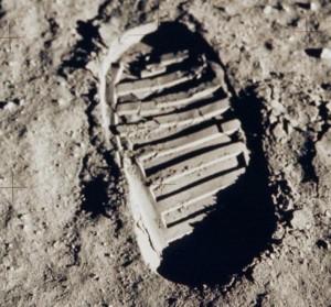 טביעת רגל על פני הירח ממשימת אפולו 11