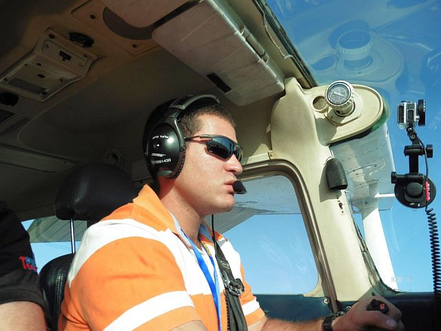 טיסת סולו מבט מהקוק-פיט