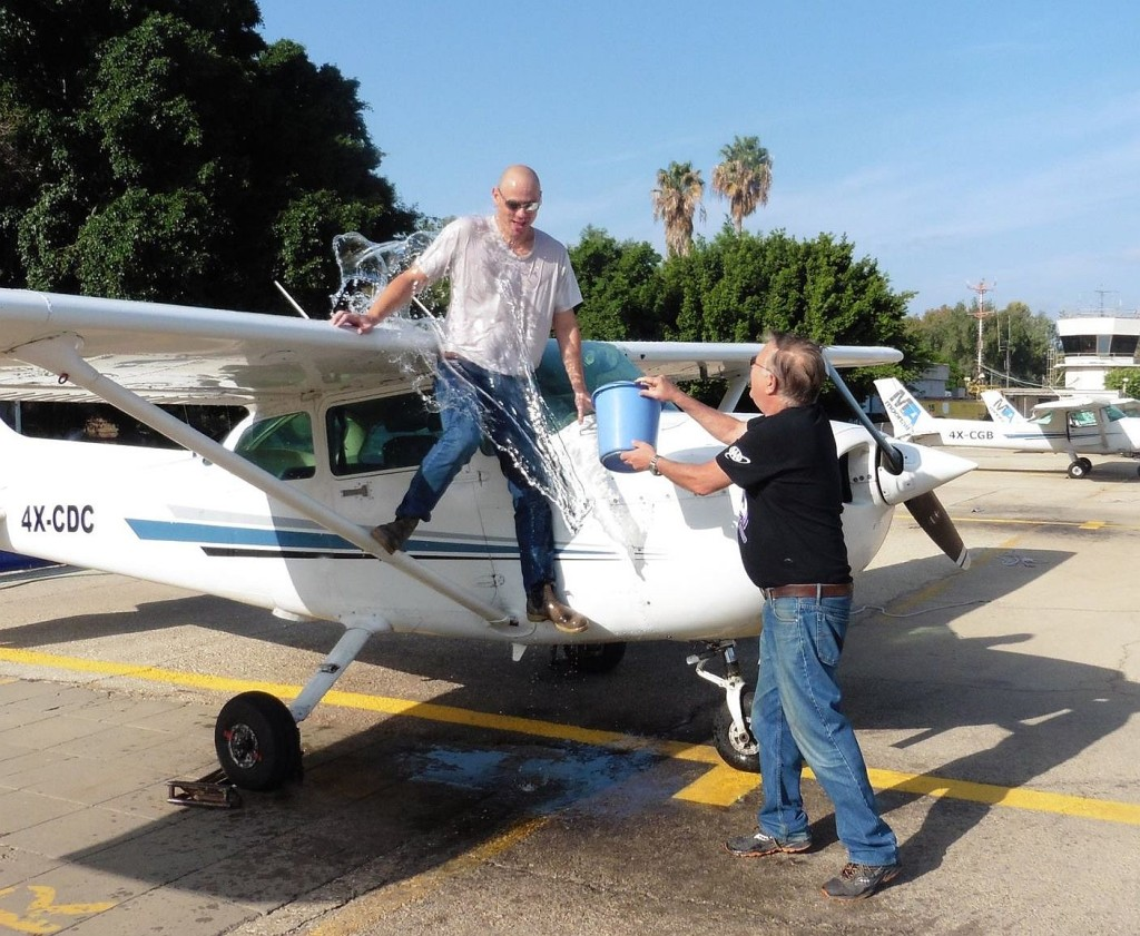 סיום טיסת סולו בית ספר לטיס אזרחי