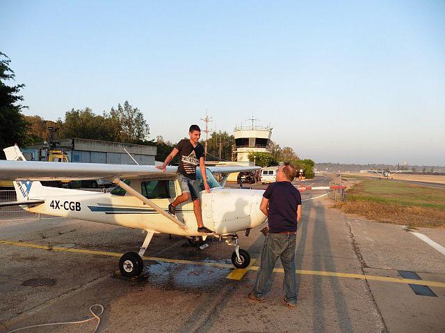 טיסת סולו בקורס טיס אזרחי
