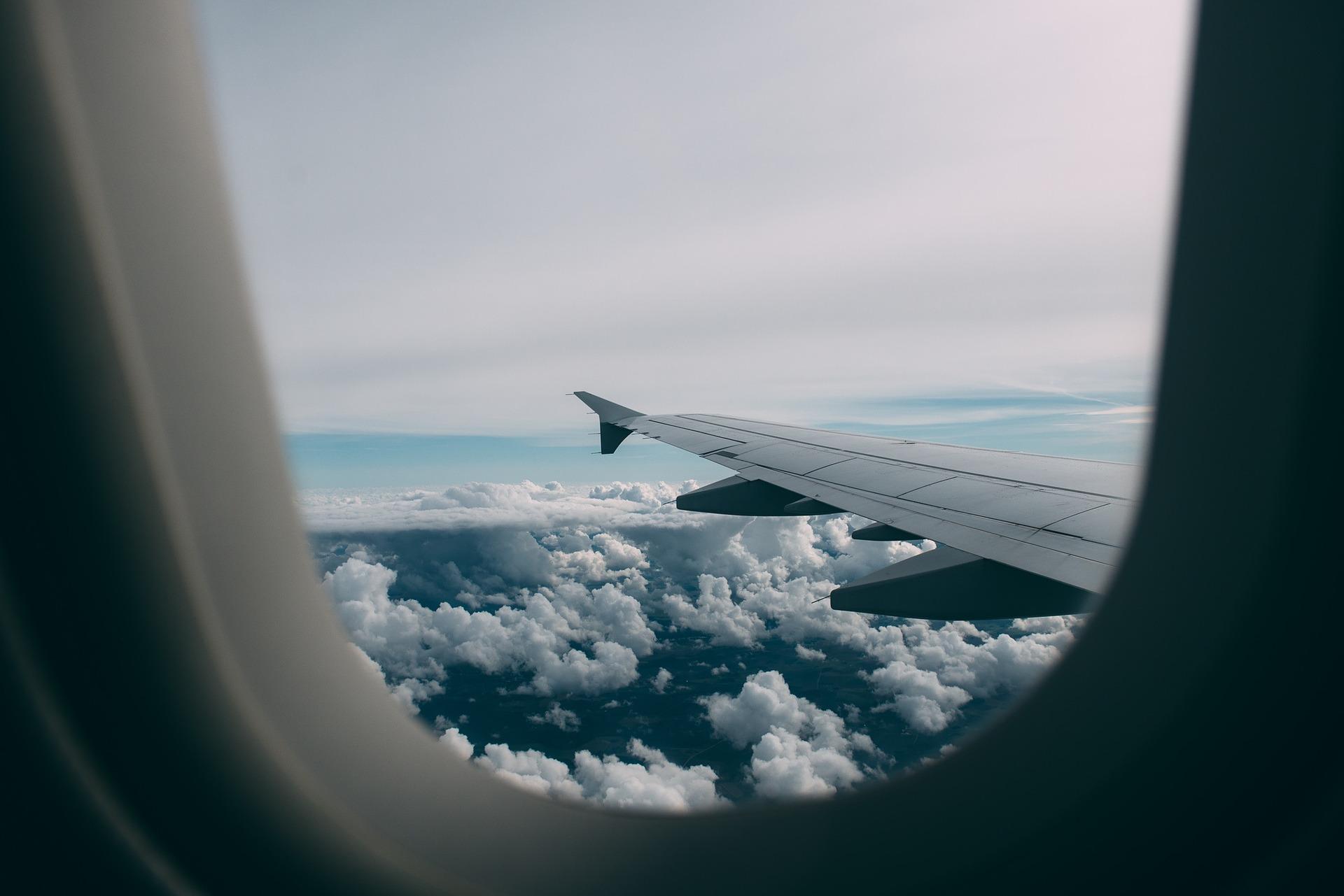 חוזקם של חלונות במטוסים