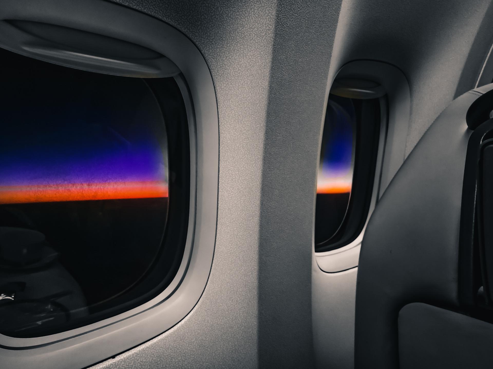חלונות נוסעים במטוס