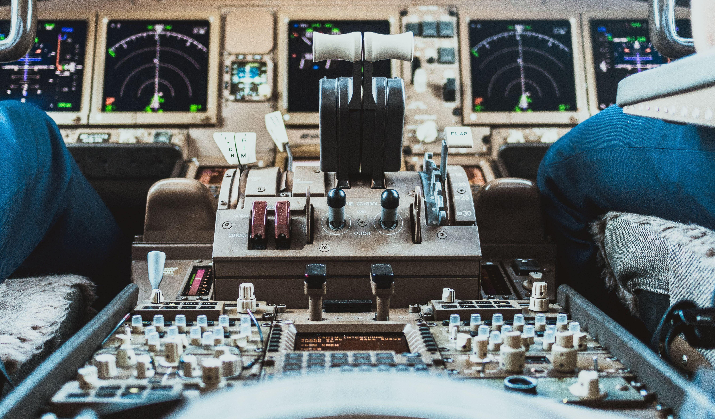 כיצד להתמודד עם חרדת טיסה