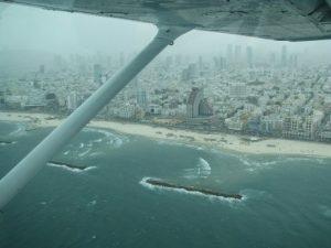 טיסת ראווה מעל חופי הים