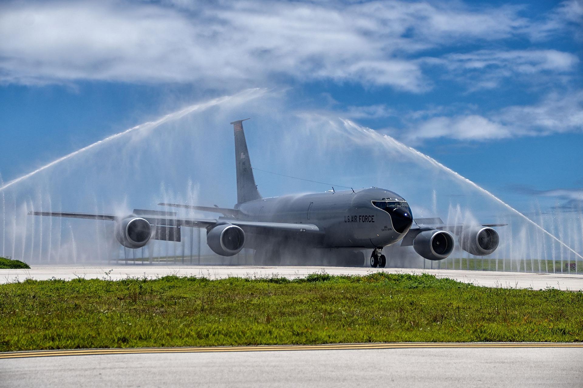 צריכת מים לתחזוקת מטוסים