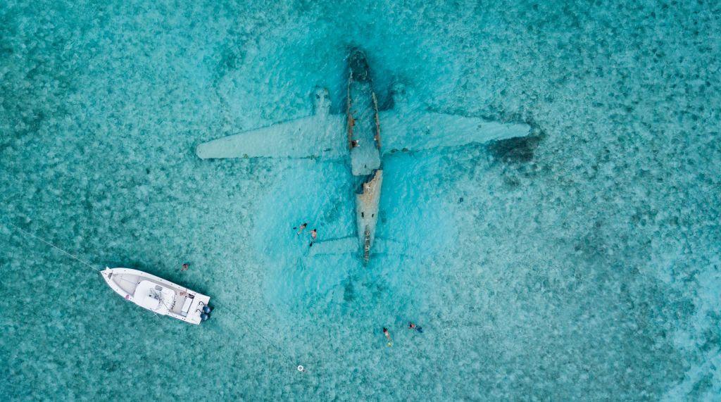 התרסקות מטוס באוקיינוס