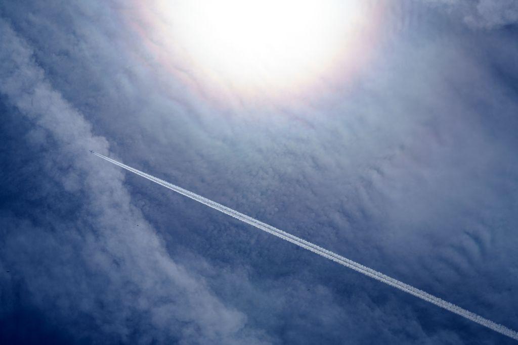 תופעת שובל לבן במטוס