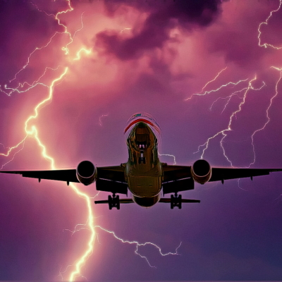 פגיעת ברקים בכלי תעופה