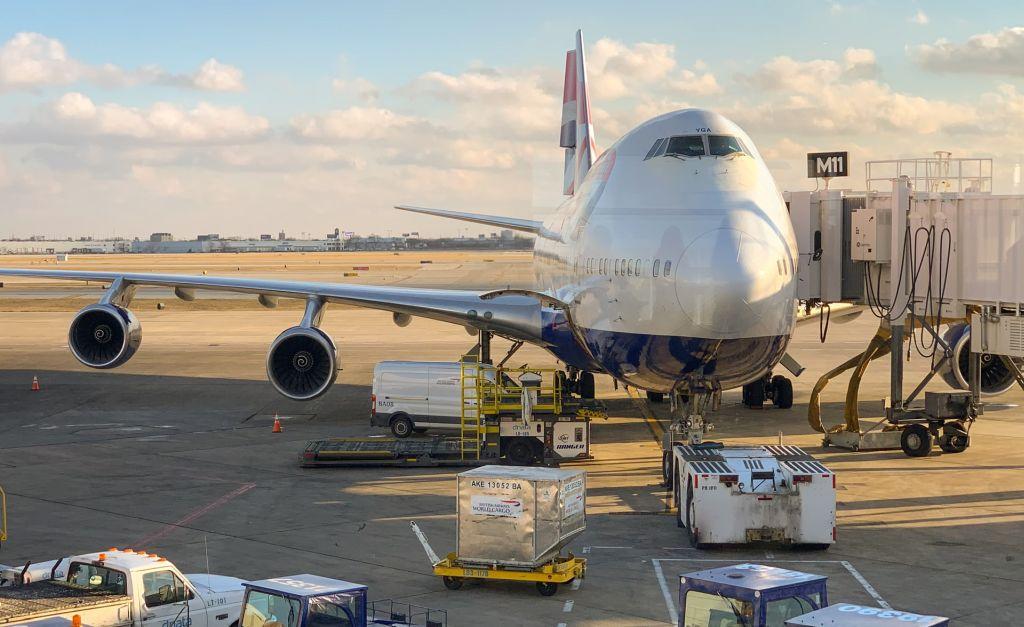 תא מטען במטוס מסחרי