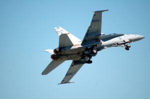 תדלוק אווירי מטוס קרב